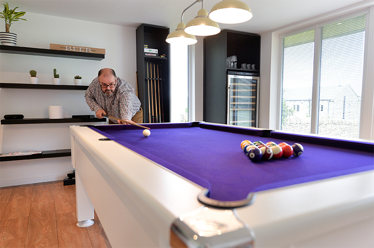 garden-room-with-pool-table.jpg