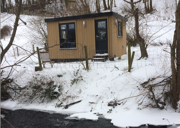 garden-room-as-art-studio-in-north-wales.png